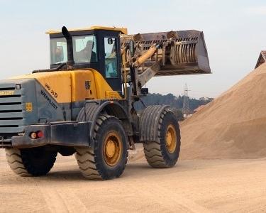 Industri alat berat terpukul akibat permintaan terus menurun